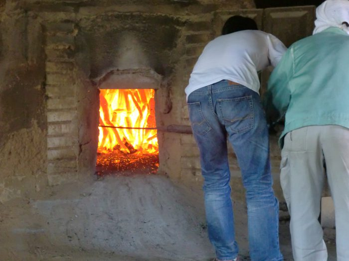 木炭体験施設3