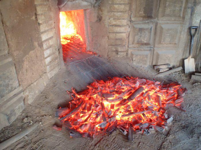 木炭体験施設2